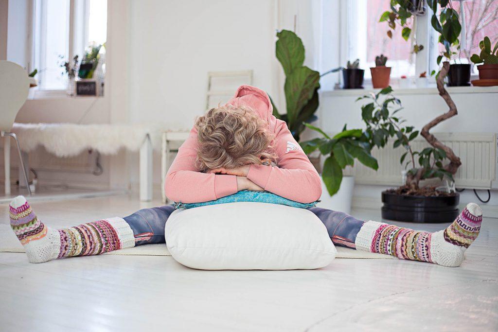 Palauttavaa joogaa parempaan uneen