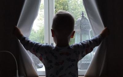 Miten palautua pikkulapsiarjessa, kun uni katkeilee?