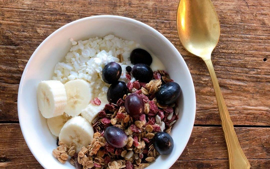 Kuusi tapaa, joiden avulla ehdit jatkossa syömään aamupalan